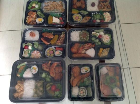 Aos sábados e domingos tem Obento no box, as tradicionais marmitas japonesas (Foto: Reprodução/Nippobrasileiro)